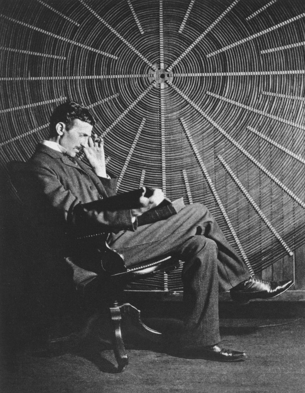 Nikola Tesla in laboratory